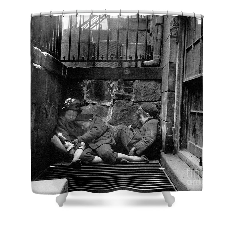 1901 Shower Curtain featuring the photograph Riis: New York, 1901 by Granger