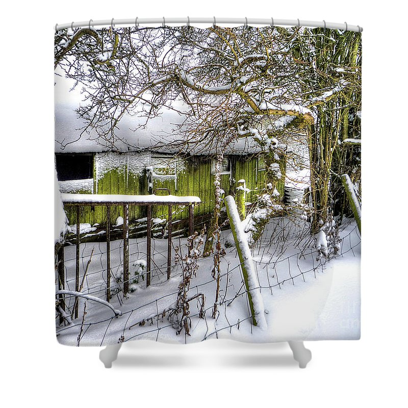 Old Barn Shower Curtain featuring the photograph Snow Covered Barn by P Donovan