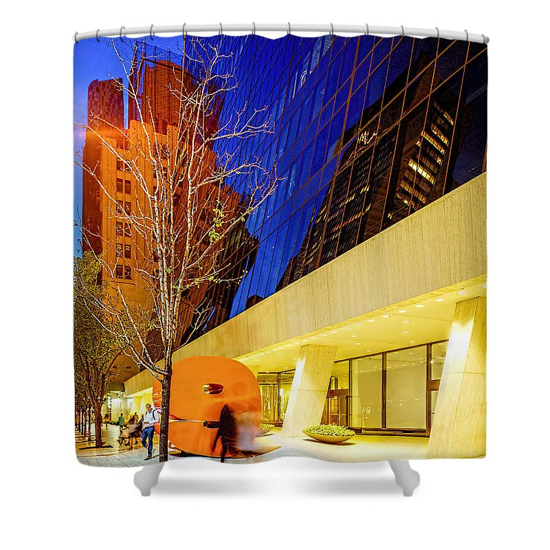 W 57th Street Shower Curtain featuring the photograph Solow Building by Kenneth Grant