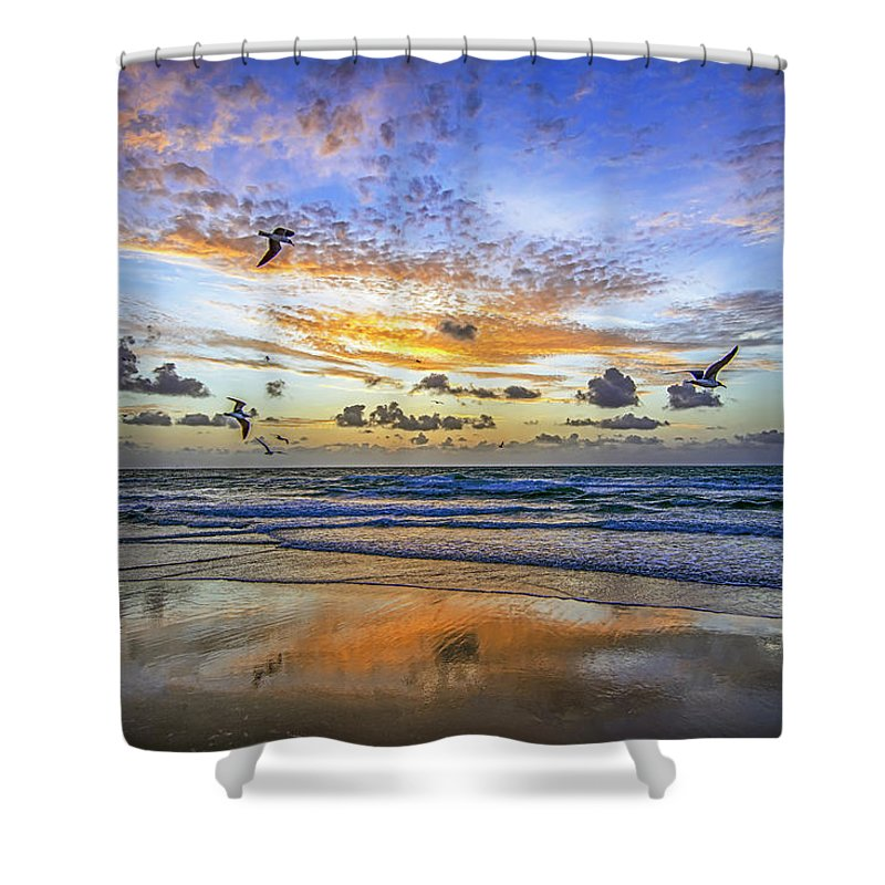Stevelipsonphotography Shower Curtain featuring the photograph South Beach 12260 by Steve Lipson