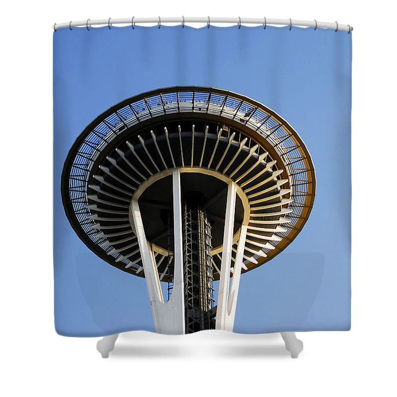 Space Needle Shower Curtain featuring the photograph Space Needle by David Lee Thompson