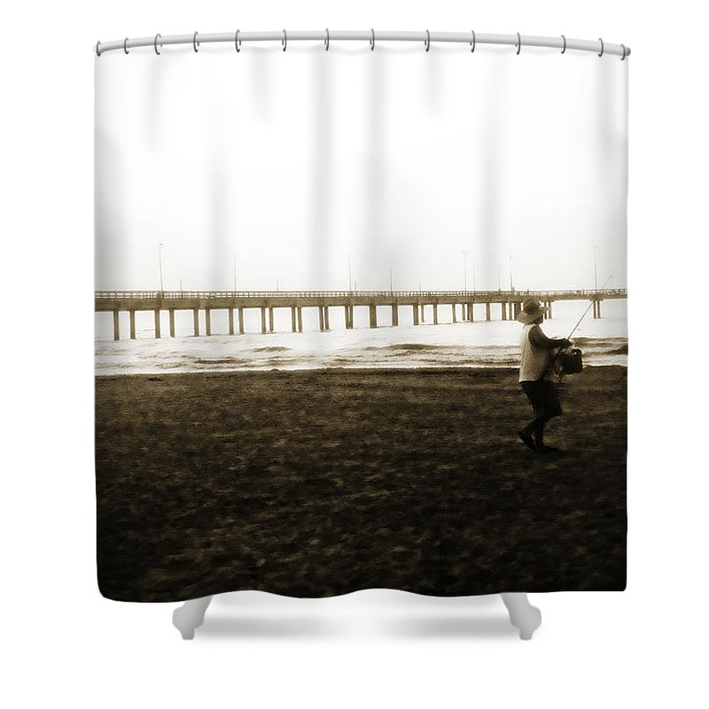 Fish Shower Curtain featuring the photograph Starting Early by Marilyn Hunt