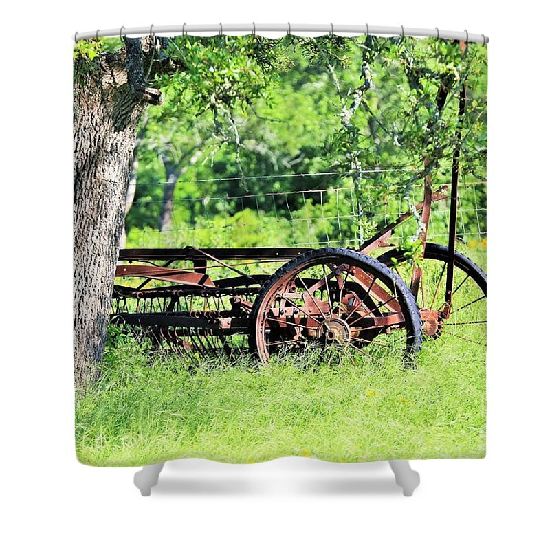 Shower Curtain featuring the photograph Sumtin Metal by Jeff Downs
