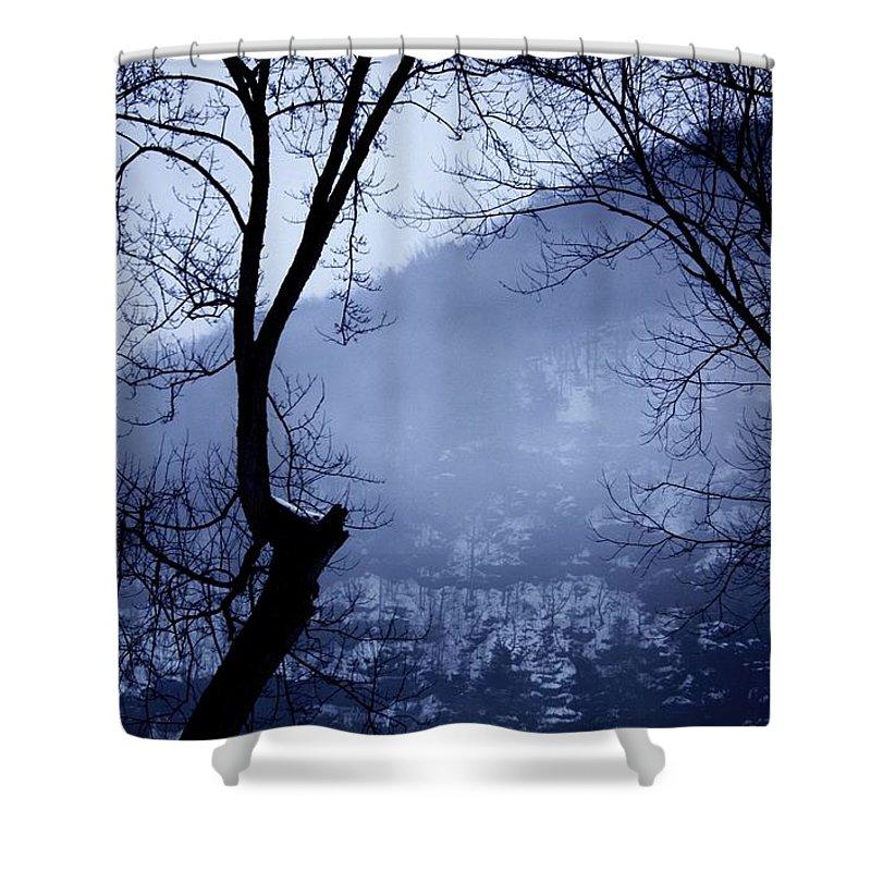 Falls Pennsylvania Shower Curtain featuring the photograph Susquehanna Dreamin... by Arthur Miller