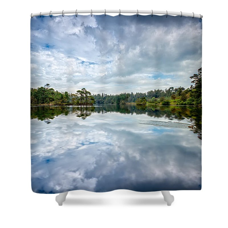 2014 Shower Curtain featuring the photograph Tarn Hows Morn by Out Venture