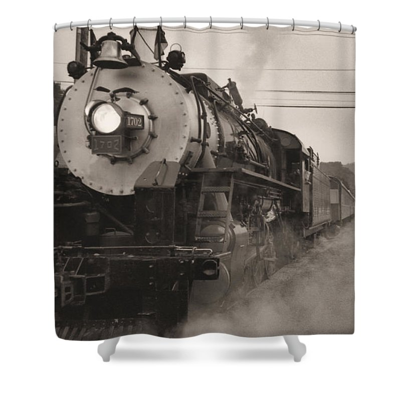 Trains Shower Curtain featuring the photograph The 1702 At Dillsboro by Richard Rizzo