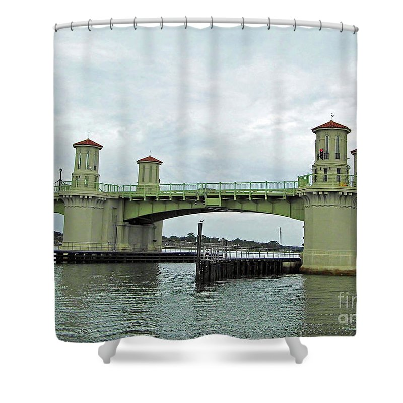 Bridge Of Lions Shower Curtain featuring the photograph The Beautiful Bridge Of Lions by D Hackett
