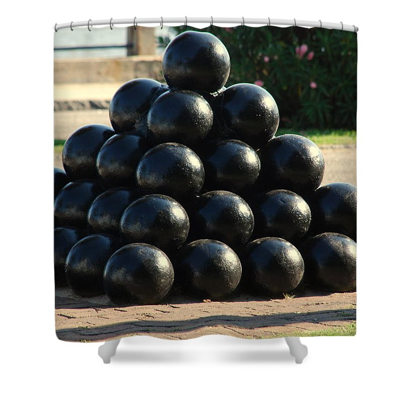 Cannon Balls Shower Curtain featuring the photograph The Cannonballs At The Battery In Charleston Sc by Susanne Van Hulst
