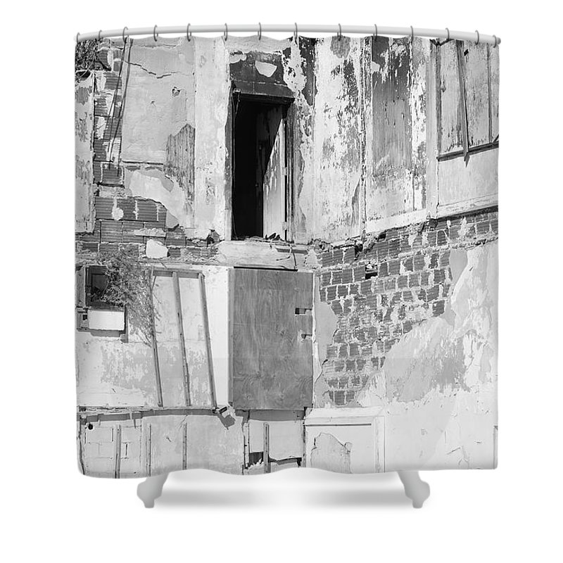 Architecture Shower Curtain featuring the photograph The Doorway To Darkness by Rob Hans