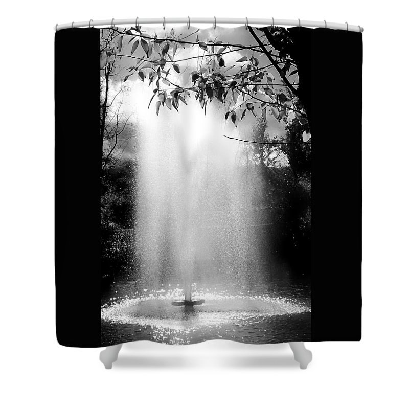 Black And White Shower Curtain featuring the photograph The Fountain by Lois Braun