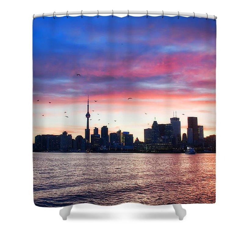 Toronto Shower Curtain featuring the photograph Toronto Skyline by Tammy Wetzel