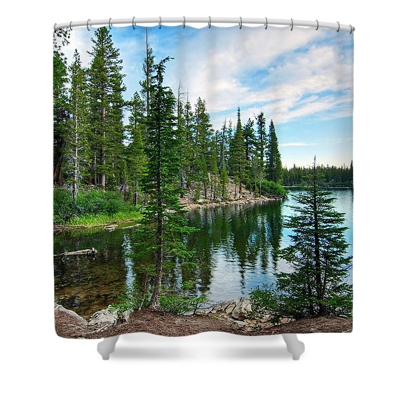 Tree Shower Curtain featuring the photograph Tranquility - Twin Lakes In Mammoth Lakes California by Jamie Pham