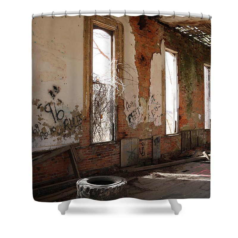 Digital Shower Curtain featuring the photograph Unoccupied by Jeff Roney