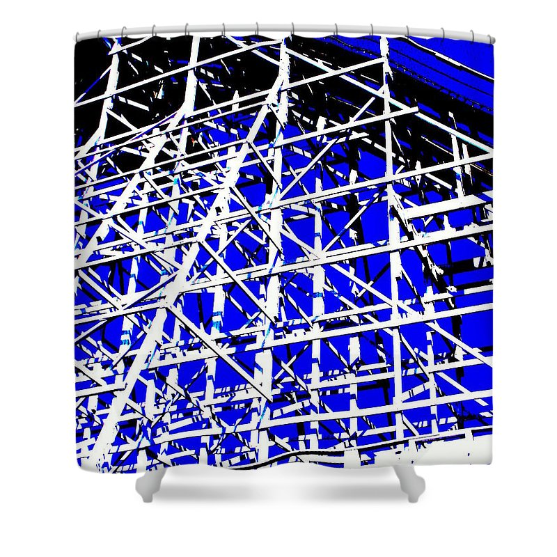 Up And Away Shower Curtain featuring the photograph Up And Away by Ed Smith