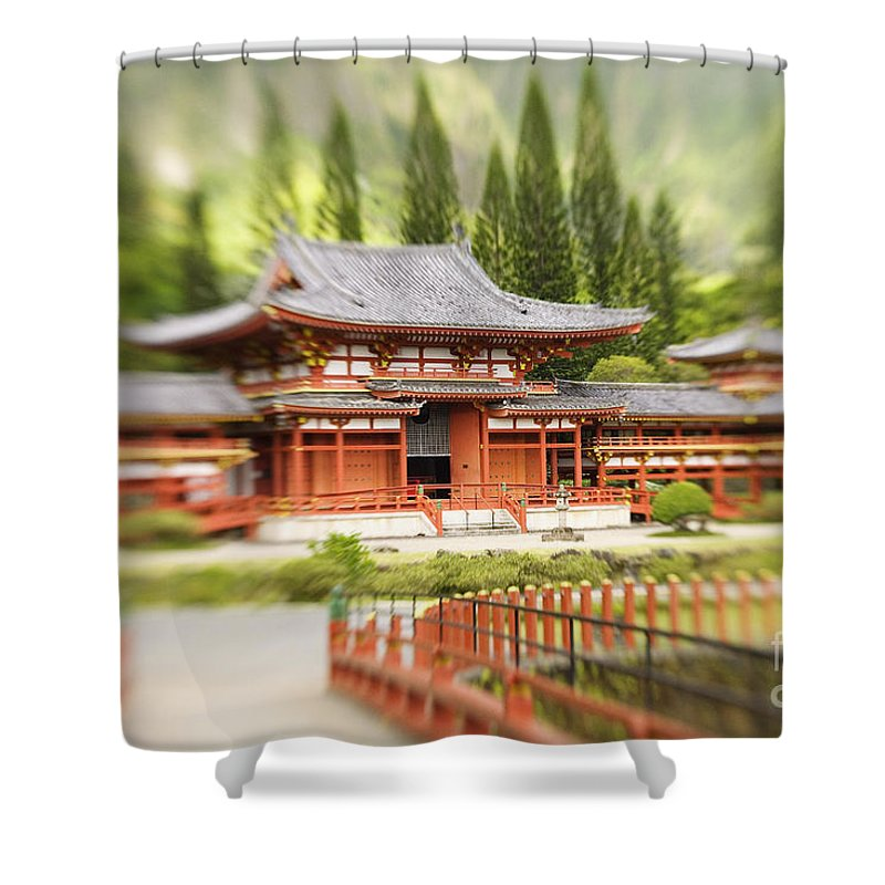 Ahuimanu Valley Shower Curtain featuring the photograph Valley Of The Temples by Ron Dahlquist - Printscapes