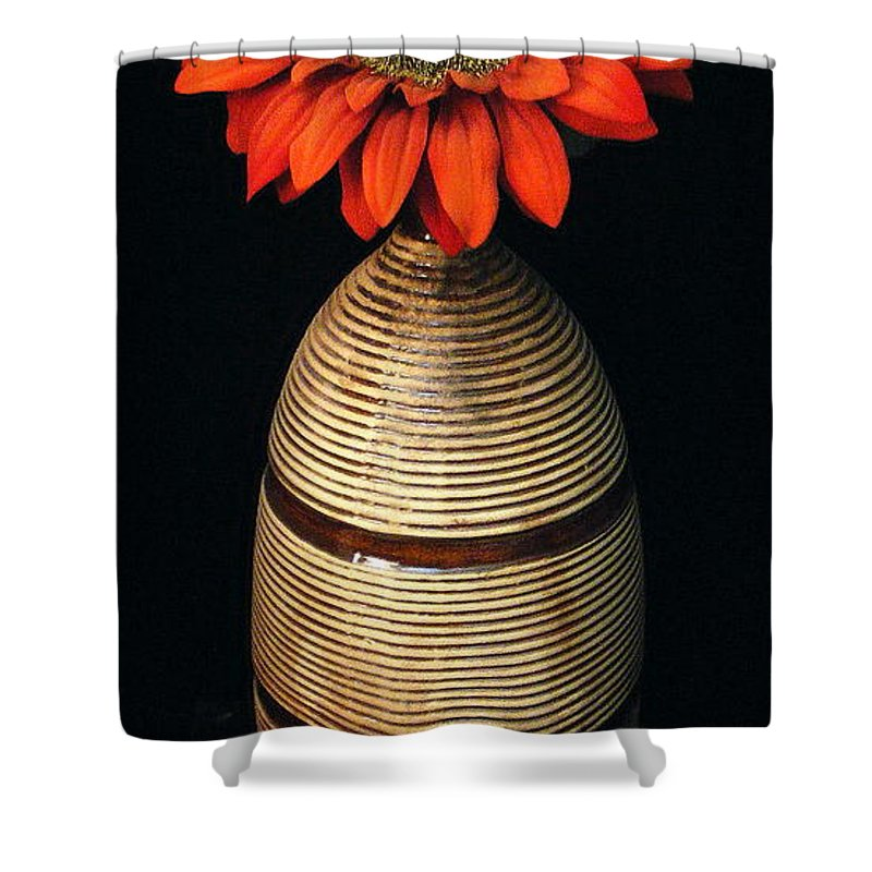 Floral Shower Curtain featuring the photograph Vase II by Ed Smith