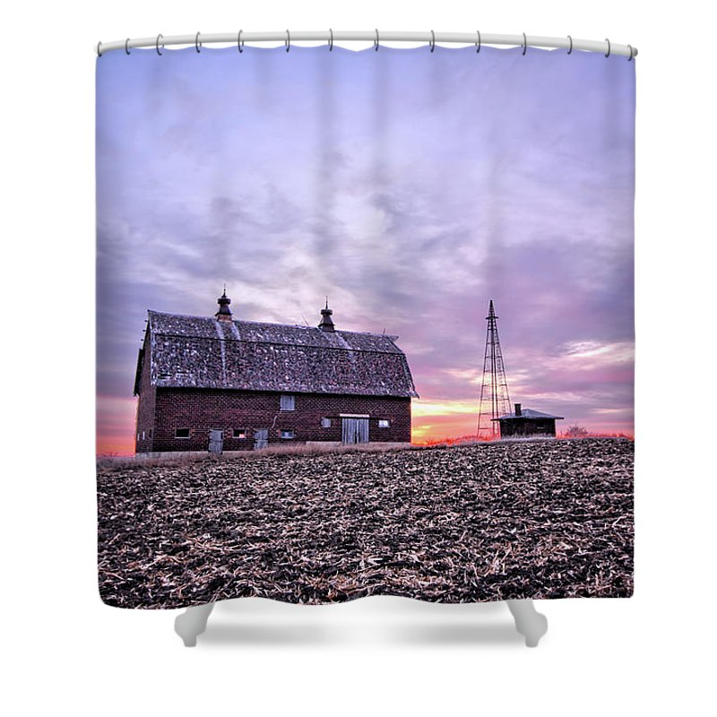 Ventura Shower Curtain featuring the photograph Ventura Barn by Bonfire Photography