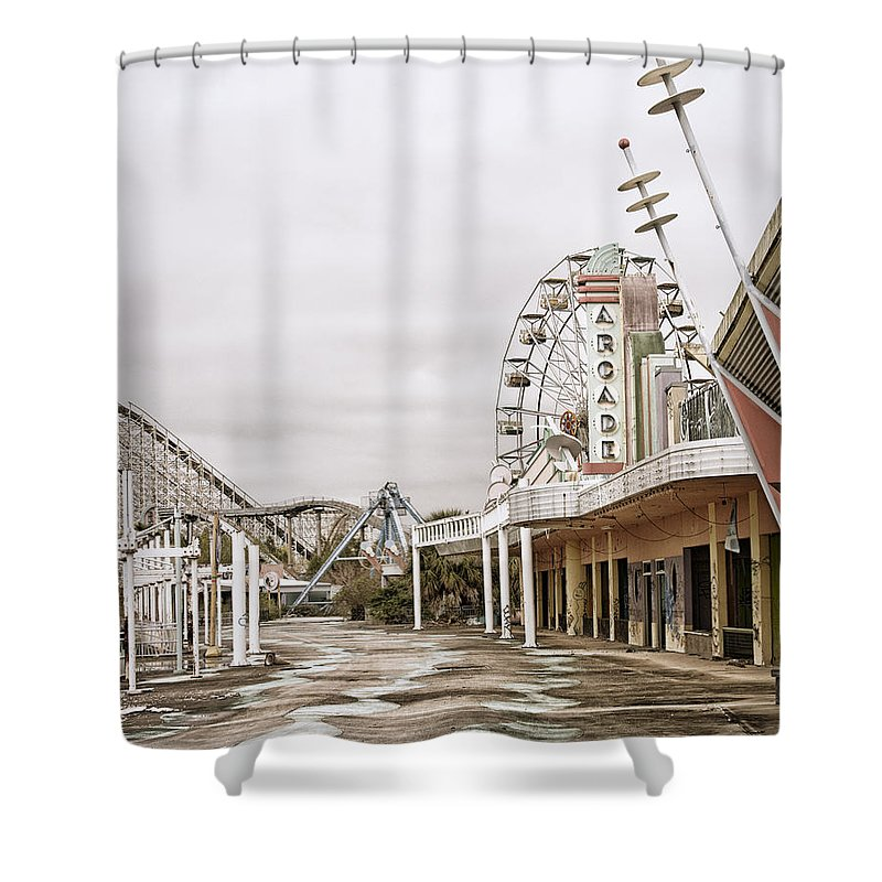 Jazzland Shower Curtain featuring the photograph Walkway To The Arcade by Andy Crawford