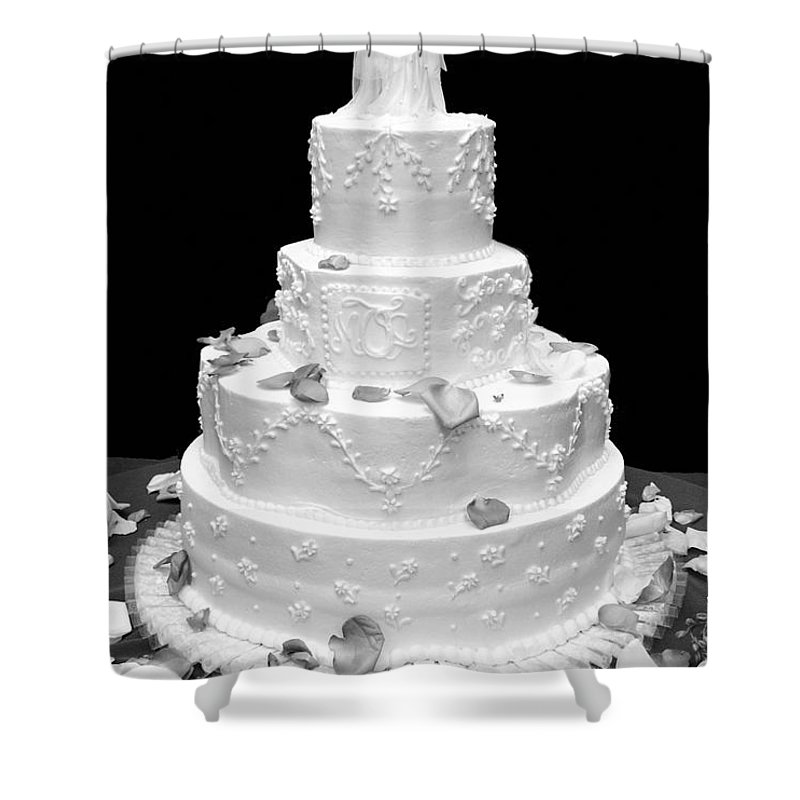 Wedding Shower Curtain featuring the photograph Wedding Cake by Marilyn Hunt