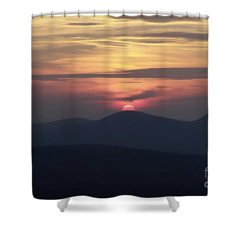 Alpenglow Shower Curtain featuring the photograph White Mountains Nh - Sunset by Erin Paul Donovan