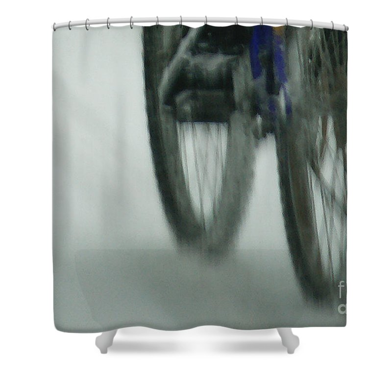 Bicycle Shower Curtain featuring the photograph Winter Ride by Linda Shafer