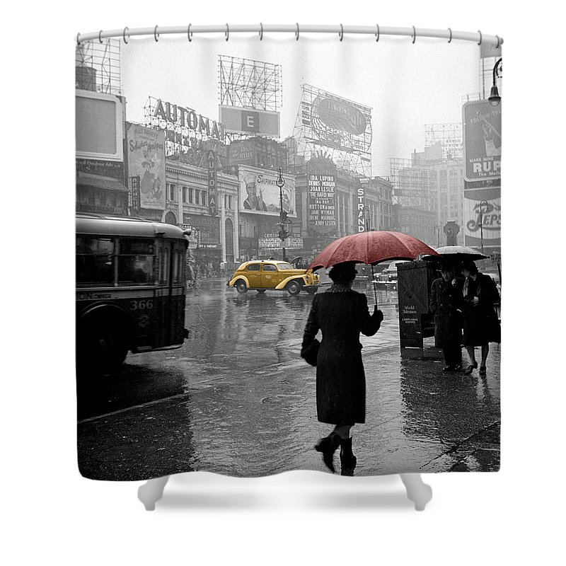 Times Square Shower Curtain featuring the photograph Yellow Cabs New York 2 by Andrew Fare