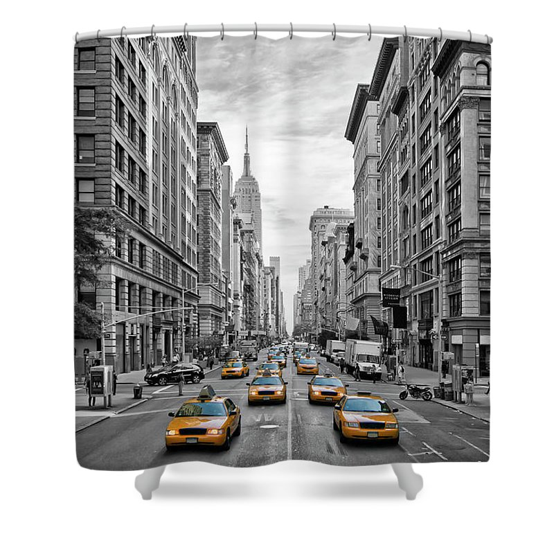 Fifth Avenue Shower Curtain featuring the photograph 5th Avenue Nyc Traffic by Melanie Viola