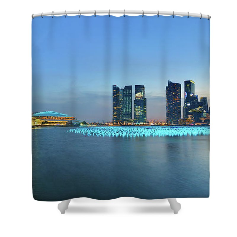 Tranquility Shower Curtain featuring the photograph Singapore Marina Bay by Fiftymm99