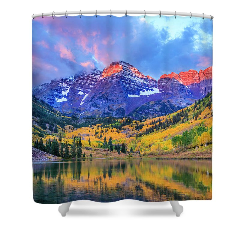 Scenics Shower Curtain featuring the photograph Autumn Colors At Maroon Bells And Lake by Dszc