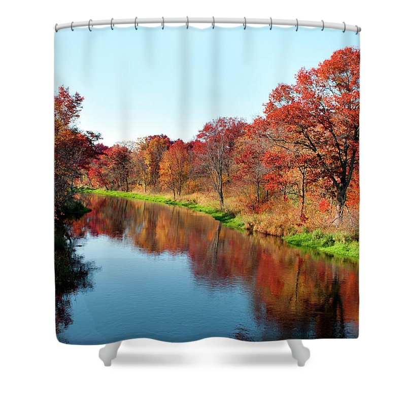Water's Edge Shower Curtain featuring the photograph Autumn In Wisconsin by Jenniferphotographyimaging