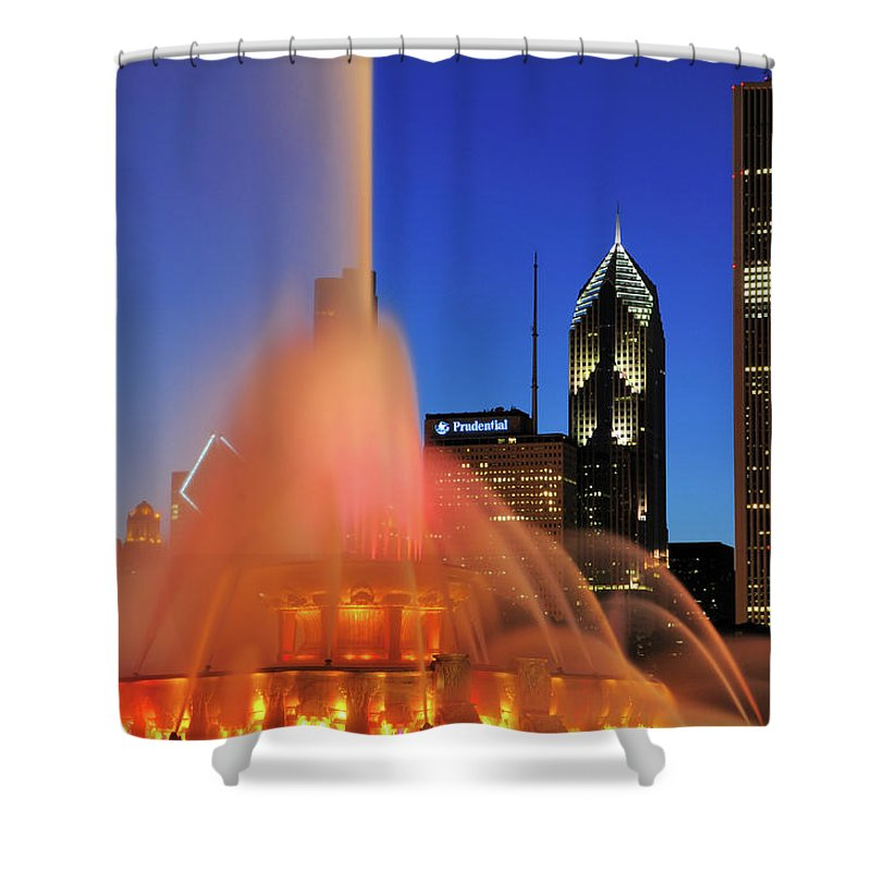 Tranquility Shower Curtain featuring the photograph Buckingham Fountain, Chicago by Bruce Leighty