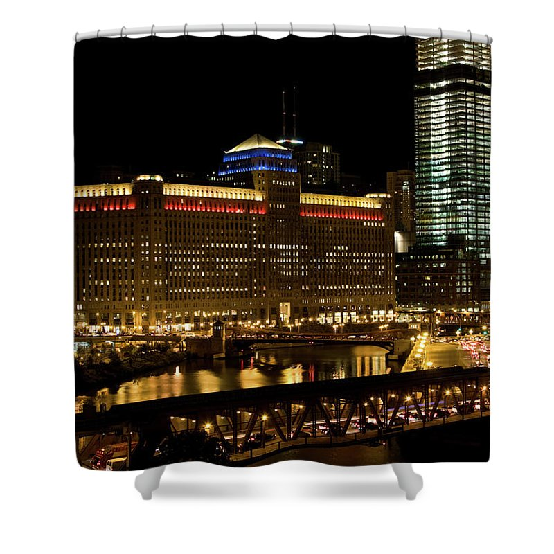 Chicago River Shower Curtain featuring the photograph Chicago Merchandise Mart by Helpinghandphotos