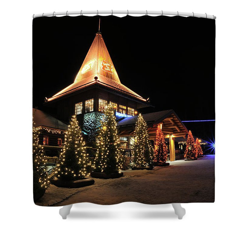 Holiday Shower Curtain featuring the photograph Christmas Decorated Town by Csondy