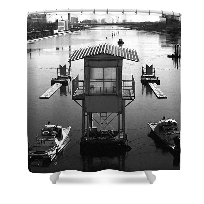 Standing Water Shower Curtain featuring the photograph Frozen Boat Course by Huzu1959