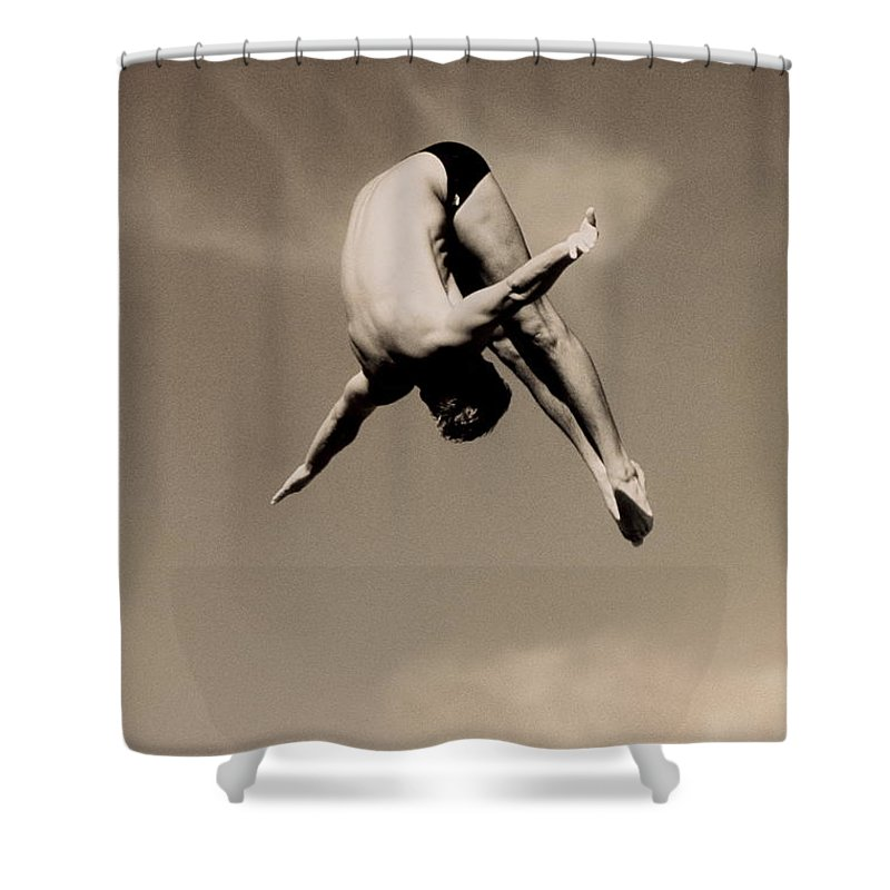 Diving Into Water Shower Curtain featuring the photograph Male Diver In Mid-air by David Madison