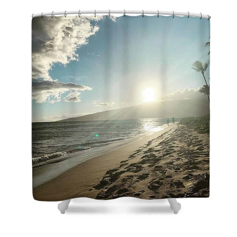Hawaii Shower Curtain featuring the photograph Maui by Kristin Rogers