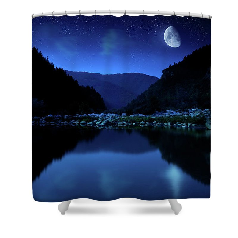 Water's Edge Shower Curtain featuring the photograph Rising Moon Over Lake by Da-kuk