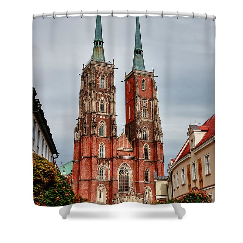 Arch Shower Curtain featuring the photograph Sant Joan Baptista by Carles Mart? Gilabert