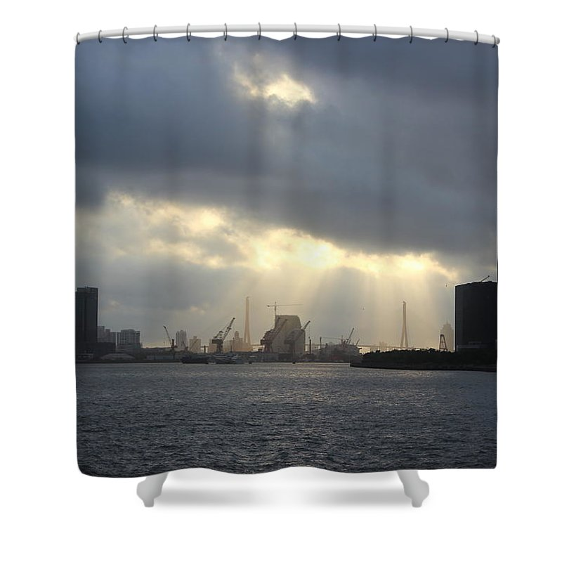 Tranquility Shower Curtain featuring the photograph Sunrises On The Bund Img_2525 by Xiaozhu Yuan