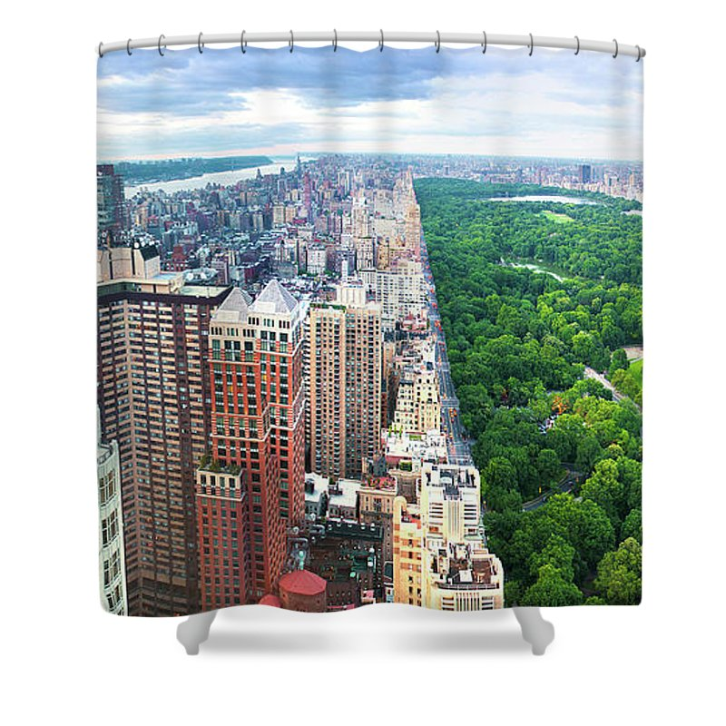 Tranquility Shower Curtain featuring the photograph Trump Intl Hotel And Tower by Tony Shi Photography