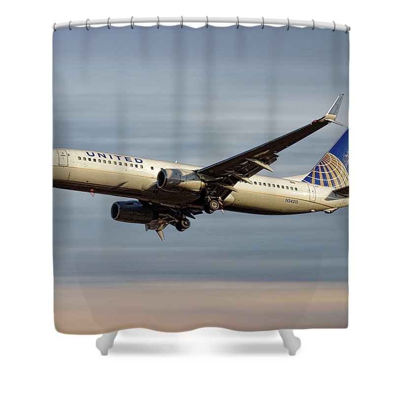 United Airlines Shower Curtain featuring the mixed media United Airlines Boeing 737-824 by Smart Aviation