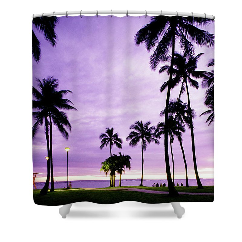 Scenics Shower Curtain featuring the photograph Usa, Hawaii, Oahu, Honolulu, Waikiki by Maremagnum