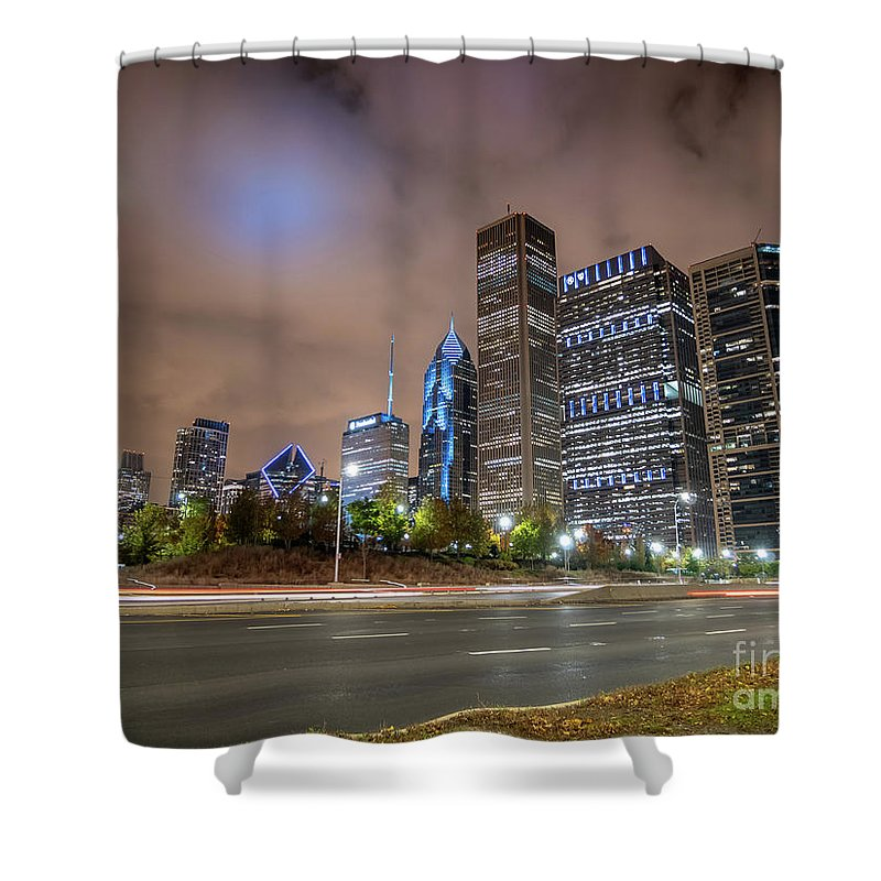 Downtown Shower Curtain featuring the photograph View Of Chicago Skyscrappers With Busy Street In The Foreground by PorqueNo Studios