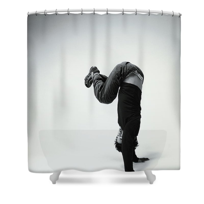 Youth Culture Shower Curtain featuring the photograph Young Man Breakdancing B&w by Karen Moskowitz
