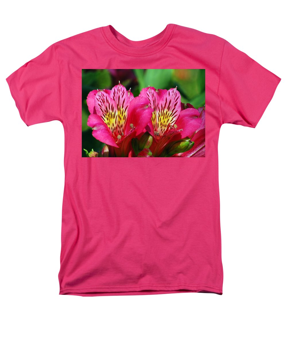 Peruvian Men's T-Shirt (Regular Fit) featuring the photograph Purple Peruvian Lily by Amy Fose