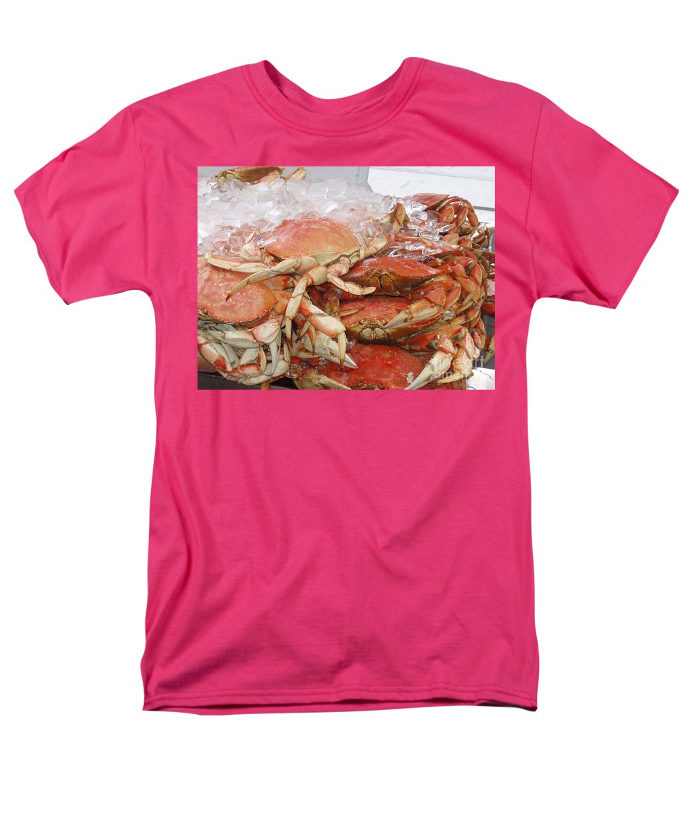 Crabs Men's T-Shirt (Regular Fit) featuring the photograph Yummy by Deborah Crew-Johnson
