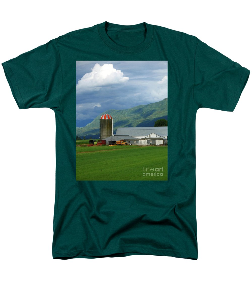 Farm Men's T-Shirt (Regular Fit) featuring the photograph Farm in the Valley by Ann Horn