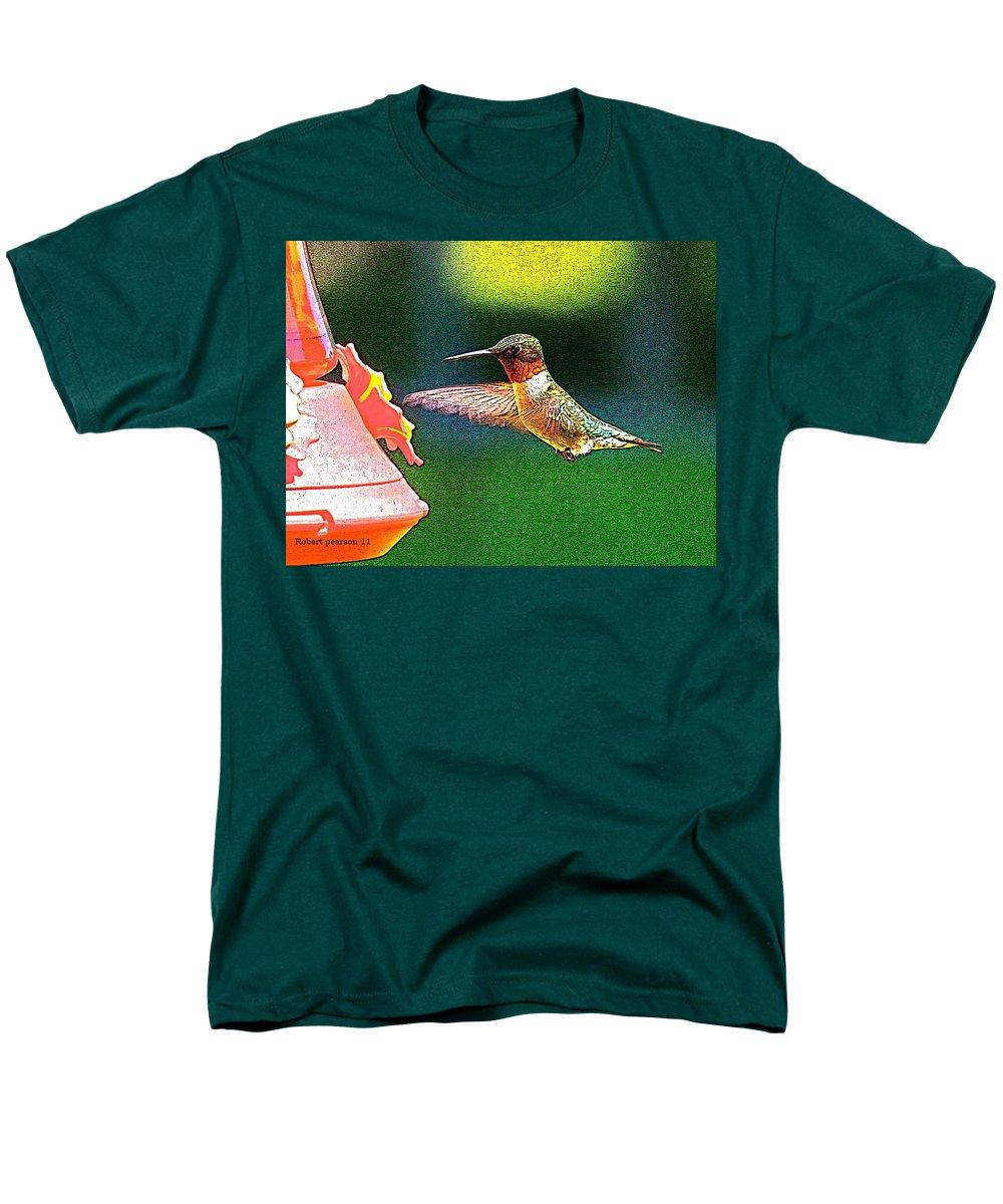 Humming Bird Men's T-Shirt (Regular Fit) featuring the photograph Hmmm by Robert Pearson