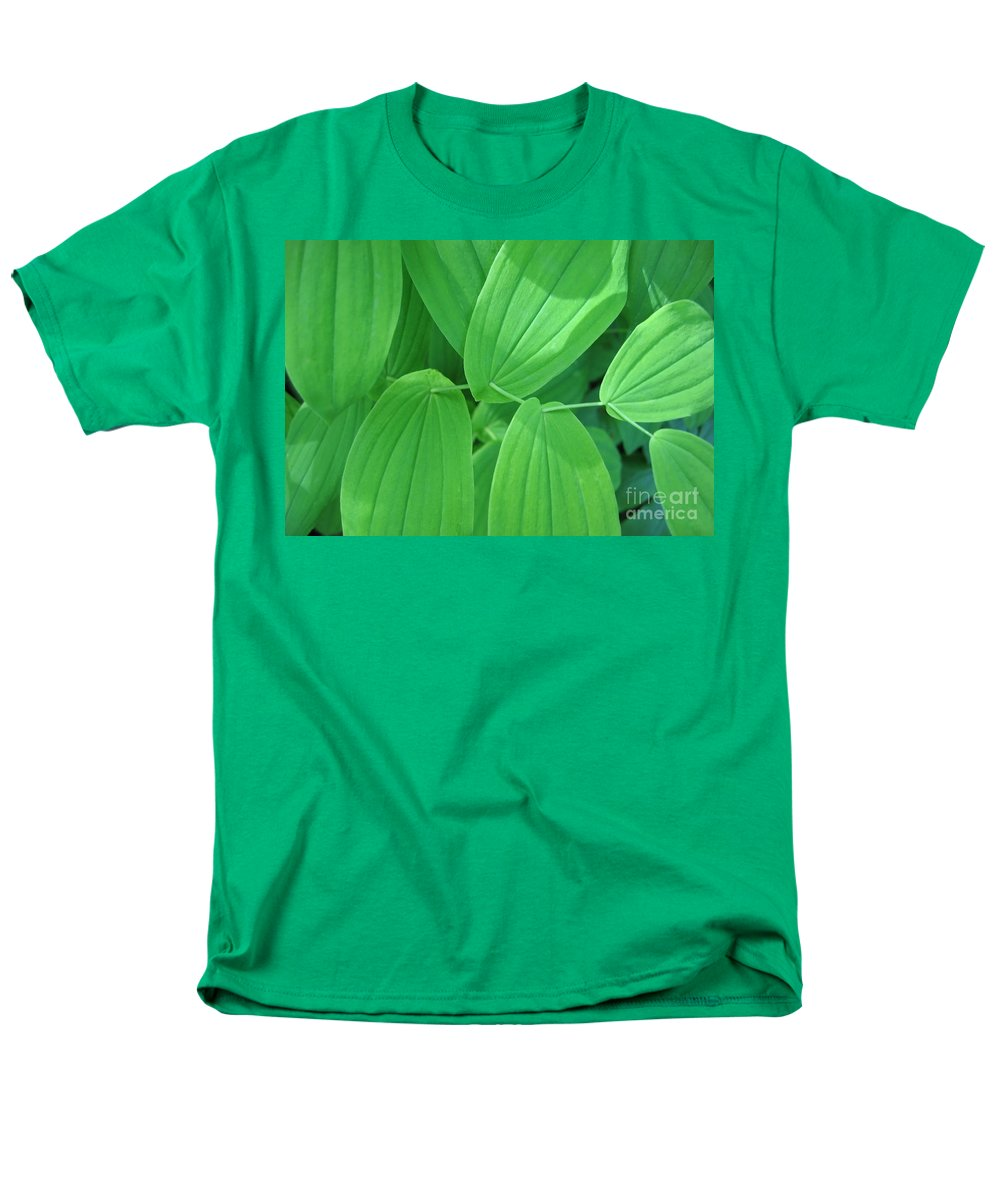 Leaf Men's T-Shirt (Regular Fit) featuring the photograph Natures Sewing Thread by Ann Horn