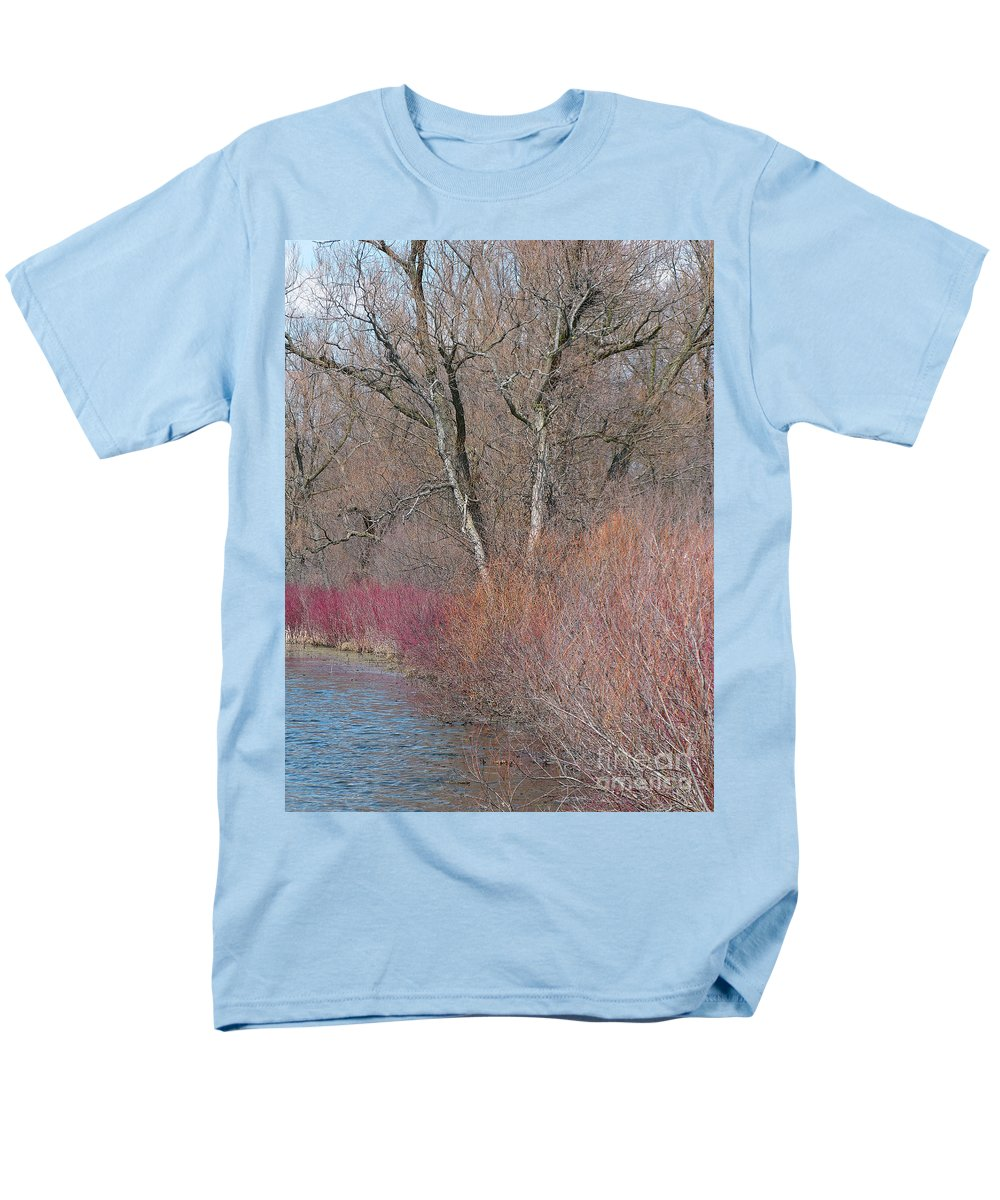 Spring Men's T-Shirt (Regular Fit) featuring the photograph Hint of Spring by Ann Horn